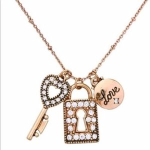 New Antique Gold Color Key & Lock Charm Necklace